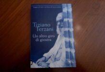 """Copertina del libro """"Un altro giro di giostra"""" di Tiziano Terzani"""