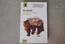 """Copertina del libro """"Una passeggiata nei boschi"""" di Bill Bryson"""